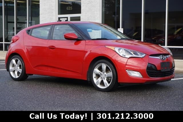 Pre-Owned 2014 Hyundai Veloster 3DR CPE MAN